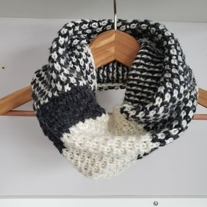 Knit Cowl Infinity Scarf Charcoal Grey / Cream